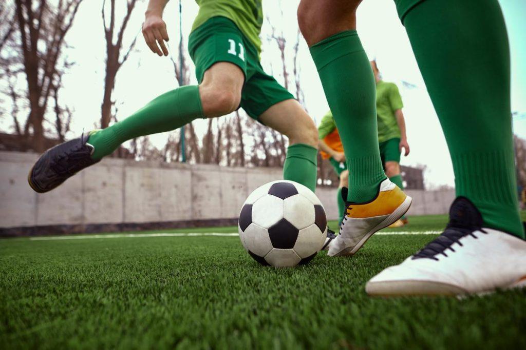 Chondropathie pathologie fréquente chez les footballeurs professionnels